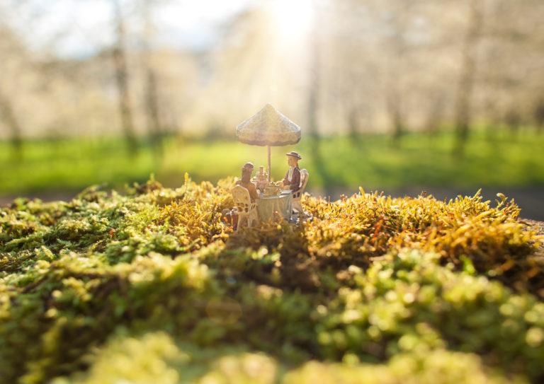 "Macro Miniaturfotografie outdoor Figur ,,Frühstück"""